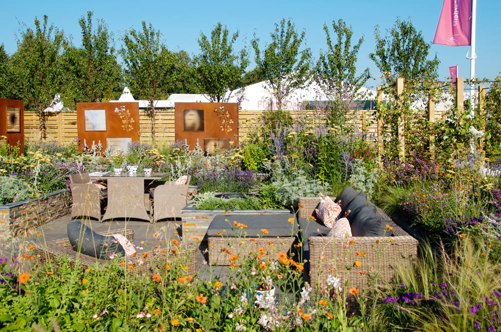 Hampton Court Flower Show 2018 – RNIB Community Garden designed by Steve Dimmock