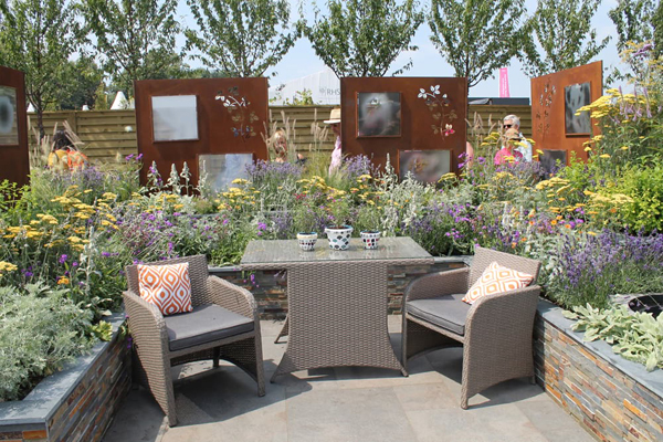 Hampton Court 2018 RNIB Garden designer Steve Dimmock